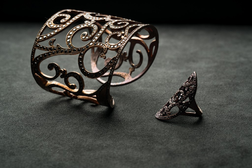 Siriana collection - bracelet and ring in titanium and black diamonds