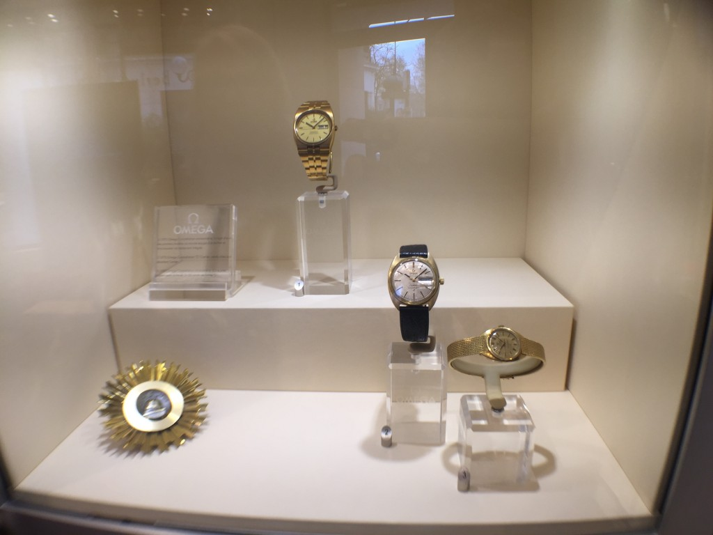 One of the display windows. Fluted bezel on Constellation 1969.